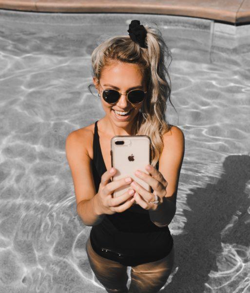 woman taking selfie in Zenchies